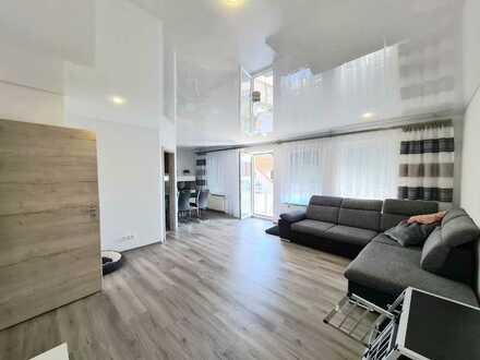 Neu renoviert!!Moderne großzüg. 3 Zi. -Wohnung mit EBK + BLK !!