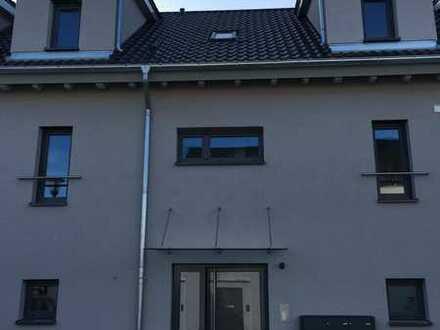 Erstbezug mit zwei Balkone: ansprechende Maisonettewohnung in Rödersheim-Gronau