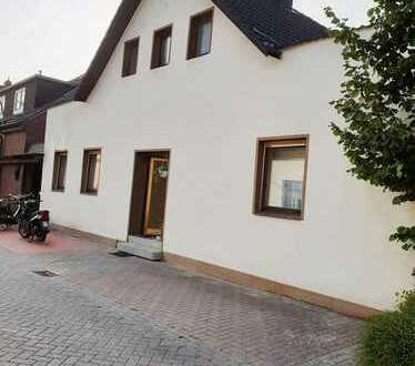 Einfamilienhaus mit Charakter und Potential sucht neue Eigentümer !