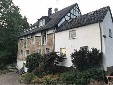 Besondere Wohnung im ländlichen Stiepel mit Terrasse