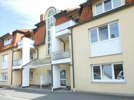 Renovierte barrierefreie 1,5-Zimmer Wohnung mit Einbauküche und Tiefgarage in Coburg-Zentrum