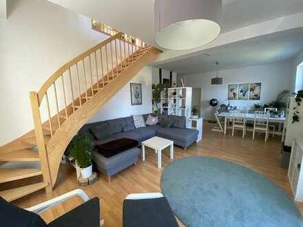 Großzügige modernisierte 4-Zimmer-Wohnung!