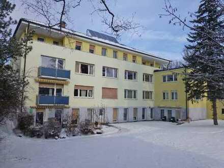 Schön gelegene 5 Zimmerwohnung Zentrumsnah im Grünen