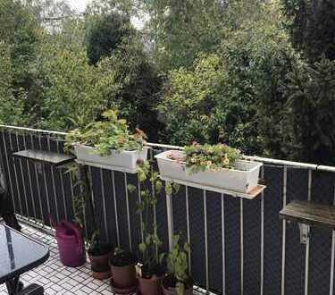 Schöne und gepflegte 3-Zimmer-Wohnung mit Balkon, Hobbyraum und Garage in Nymphenburg, München