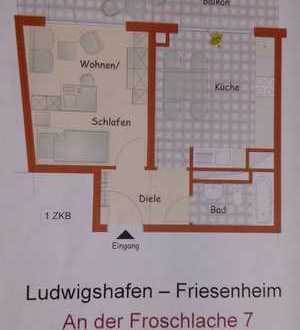 Schöne helle 1-ZKB-Whg. mit Balkon, große Wohnküche. Schöner Ausblick. Neue Fenster, Laminat.