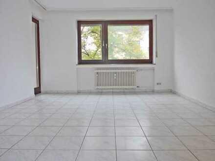 6007 - Renovierte 3-Zimmerwohnung mit Loggia Nähe Siemens!