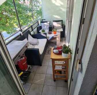 Möblierte 3 Zimmerwohnung im 1. OG mit Balkon und Einbauküche sowie Keller