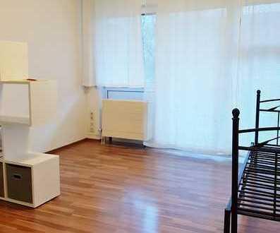 Regensburg: Schönes 1-Zimmer-Apartment mit EBK, Balkon, 1. OG, TG-Stellplatz, Kellerabteil, Uni-nah