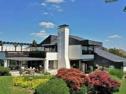 SCHWIND IMMOBILIEN - exklusives Anwesen mit Feldrandlage in puristischem Stil +++Indoor-Pool+++
