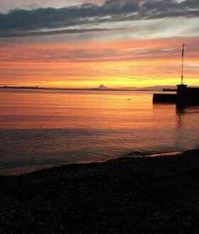 Privatstrand: Exclusive große Wohnung mit direkten Seezugang als 2-er WG
