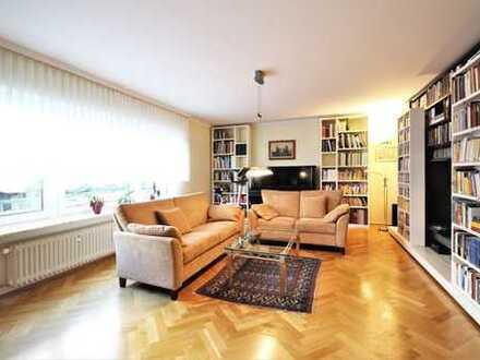 REPRÄSENTATIVE WOHNUNG IN TOPLAGE! Ca. 130 m² Wfl., 4 Zimmer, Terrasse, eigener Garten & Garage
