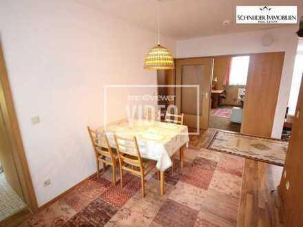 4 Zimmer-Wohnung mit Loggia, Balkon und Fernblick auf die Alpen sowie einem TG-Stellplatz