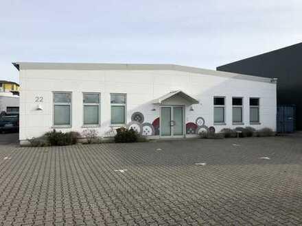 Neuwertige Produktionshalle mit div. Sozialräumen und Bürotrakt in Rodgau Jügesheim