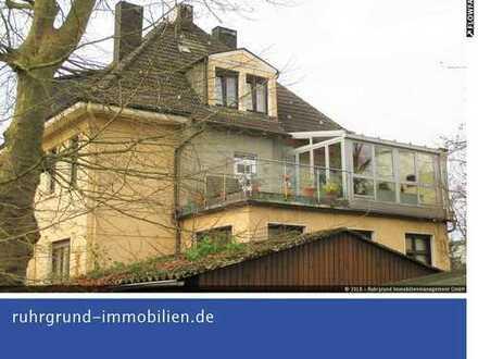 Außergewöhnlich! Altbauwohnung mit Hauscharakter in zentraler Lage von Castrop-Rauxel!