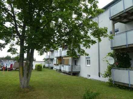 Hübsche, vermietete 2 Zimmer Erdgeschosswohnung mit Balkon und Stellplatz