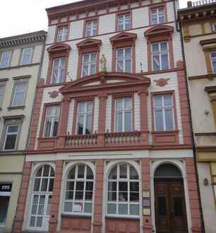 Bürohaus und Geschäftshaus in Spitzenlage