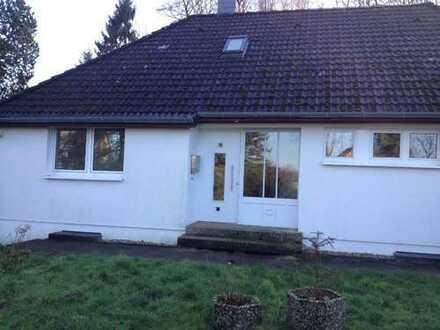 Schönes Einfamilienhaus in Waldrandlage