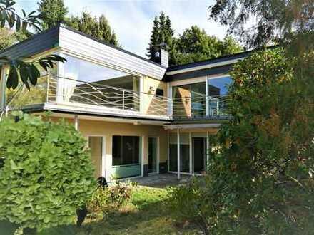 Schönes, geräumiges Haus mit fünf Zimmern in Bergisch Gladbach