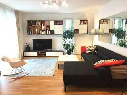 Helle, neuwertige 4-Zimmer-Wohnung mit Balkon und EBK in Frankfurt am Main