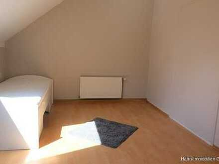 Schöne helle Dachgeschosswohnung mit Gartennutzung und Stellplatz - oder gleich das ganze Haus zu ve