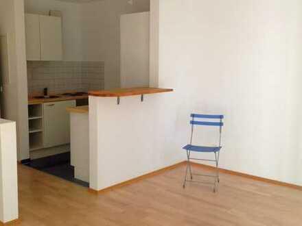 Schönes Appartement auf Villengrundstück mit Terrasse