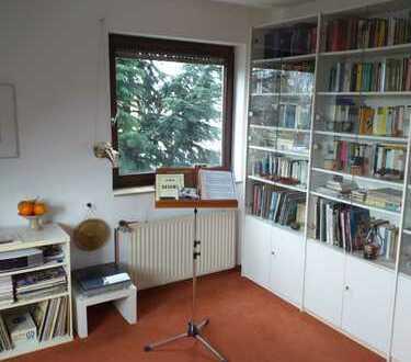 Ansprechende, gepflegte 2,5-Zimmer-Maisonette-Wohnung in Bochum, Uni Nähe