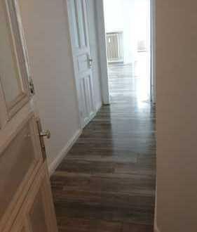 Vollständig renovierte 2-Zimmer-Wohnung mit Balkon und EBK in Barmbek-Süd, Hamburg