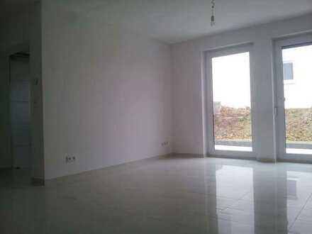 Schöne helle 2-Zimmer-Souterrain-Wohnung mit Terrasse und EBK in Klein-Winternheim