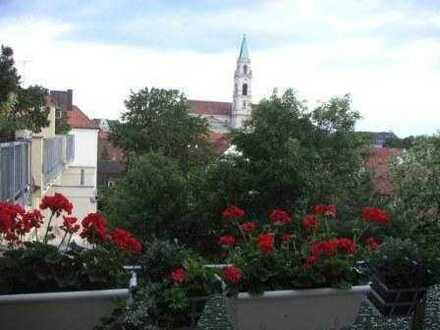 Gepflegte 1,5-Zimmer-DG-Wohnung mit Balkon und EBK in Sendling, München