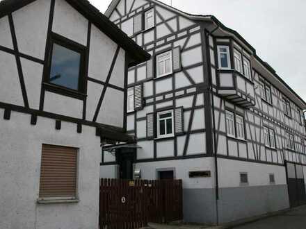 ***Lukratives Fachwerk-Ensemble mit 12 Wohnungen im schönen Fränkisch-Crumbach***