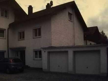 Gepflegte 1,5-Zimmer-Dachgeschosswohnung mit EBK in Stephanskirchen