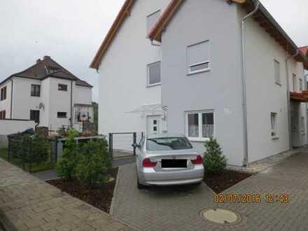 Schönes Haus mit sechs Zimmern in Heusenstamm