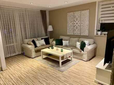 Exklusive, gemütliche, helle 3-Zimmer-Wohnung mit Garten und EBK in Gersthofen