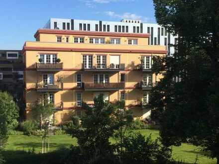 Besondere, sehr gehobene 2-Zi.-Wohnung mit sehr großem Süd-Balkon im Neubau in begehrtem Quartier