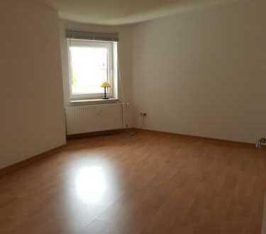 Große 2-Raum Wohnung am Platz der Freiheit zu vermieten