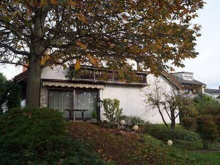Freistehendes Einfamilienhaus auf Erbpacht-Grundstück mit Gewerbeteil in Worms-Stadtteil !