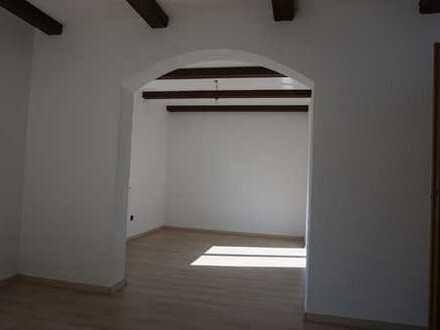 Schöne 3,5-Zimmer-Wohnung mit EBK und Balkon in Großaitingen