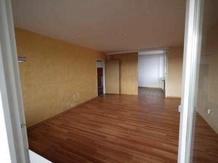 3-Zimmer- Wohnung mit Ausblick nahe See Stadtmitte Böblingen, leerstehend