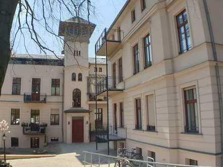 +Großzügige Wohnküche-Historische Loggia-Wannenbad-Stellplatz-Großzügige Gartenanlage-Exclusiv+