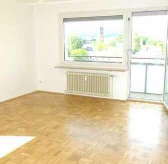 Helle, gepflegte 3-Zimmer-Wohnung mit 2 Balkonen und Einzelgarage