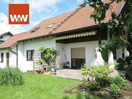 Familienfreundliches Einfamilienhaus mit Garage und schönem, ebenem Grundstück