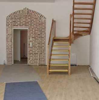 Eine Maisonette-Wohnung der besonderen Art, komplett neu saniert