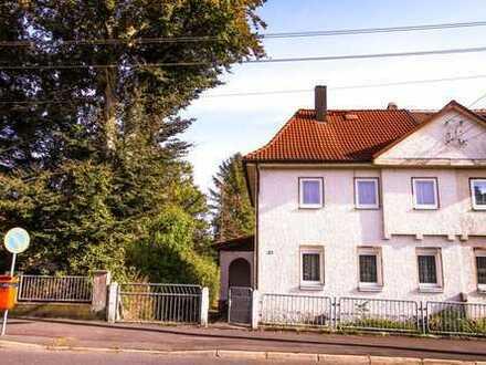 Einfamilienhaus (DHH) mit kleinem Garten