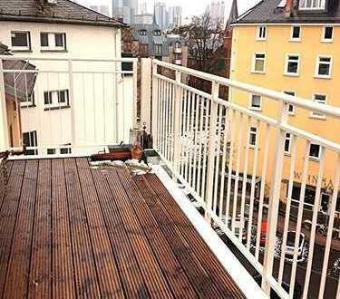 Stilaltbauwohnung untere Berger Strasse, 4 Zimmer, Tageslichtbad, Großer BALKON, Gartennutzung