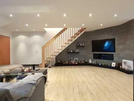 Einziehen & wohlfühlen: 5-Zimmer Maisonette Wohnung mit Balkon & TG in Schwäbisch Gmünd - Herlikofen