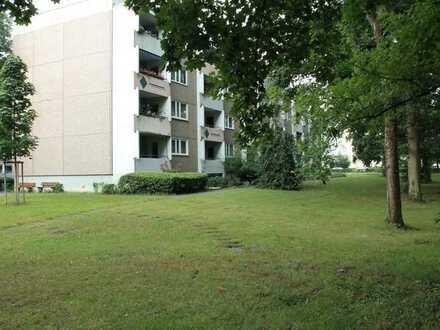 ***Schicke 3-Zimmer Etagenwohnung mit Balkon und KFZ-Stellplatz***