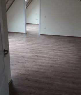 Schöne renovierte 2-Zimmer-DG-Wohnung mit Einbauküche in Landau-Godramstein zu vermieten