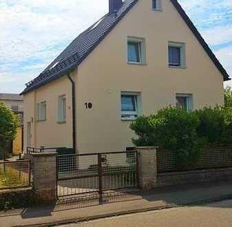 Saniertes Einfamilienhaus mit sechs Zimmern und großem Garten in Steinheim am Albuch