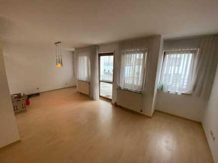 Ansprechende 3-Zimmer-Erdgeschosswohnung mit Balkon und EBK in Waldenbuch