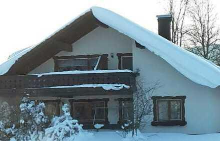 Modernisierte 2-Zimmer-DG-Wohnung mit Balkon und EBK in Baiersbronn